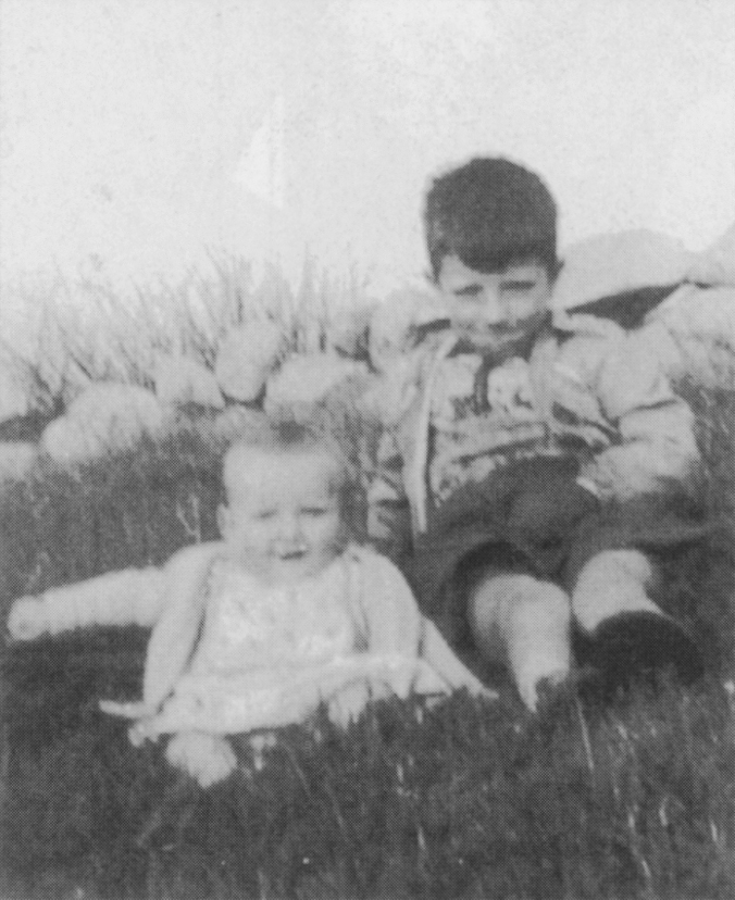 Daniel as a baby with his brother James